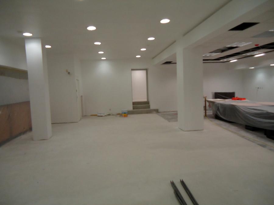 Se instalo sistema tablaroca lambrin y muro 2 caras, cielo plafón ciego y cielo plafón reticular.